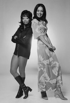 Florence LaRue and Marilyn McCoo of The Fifth Dimension, circa 1970. Photo: Terry O'Neill/Hulton Archive/Getty Images.