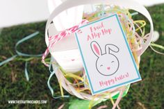 Give your friends a fun Easter treat and attach one of these adorable Hip Hop Happy Easter Gift Tags. via @craftingchicks