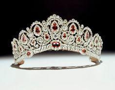 Diamond & ruby tiara (Imperial Russia) Royal Tiaras, Royal Crowns, Tiaras And Crowns, Royal Crown Jewels, Royal Jewelry, Princess Jewelry, Colored Diamonds, Corona Imperial, British Nobility