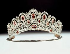 Bagration Tiara (part of a parure) originally owned by Russian Princess Katherine; 1810; now in the British collections; pink spinel and diamonds