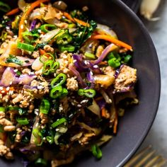 Egg Roll In a Bowl is a quick and healthy weeknight dinner that will satisfy your takeout cravings! All the delicious flavors of an egg roll in a low carb, keto friendly, easy 20 minute recipe! Healthy Weeknight Dinners, Fast Easy Meals, Healthy Lunches, Baked Chicken, Chicken Recipes, Roasted Chicken, Eggroll In A Bowl, Low Sodium Soy Sauce, Coleslaw Mix