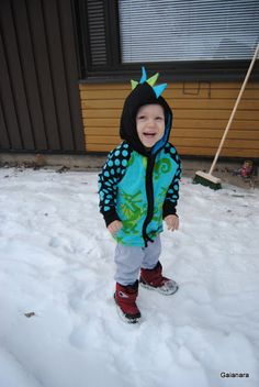 Child´s dragon hoodie (front)
