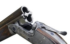 The most expensive gun in the world Purdey over and under. The Damas steel looks like traditional Damascus but is tremendously strong Best Hunting Knives, Hunting Rifles, Trap Shooting, Shooting Sports, Sporting Clays, Guns Dont Kill People, Most Expensive, Vintage Tools, Firearms