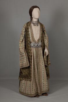 Urban costume of Ioannina, Epiros. Mid 19th century © Peloponnesian Folklore Foundation, Nafplion, Greece