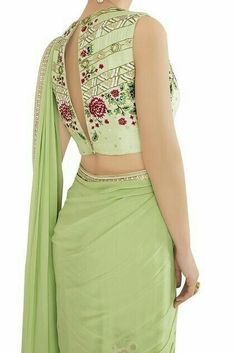 Looking For Stylish Blouse Designs For saree Saree Blouse Neck Designs, Saree Blouse Patterns, Fancy Blouse Designs, Anarkali, Patiala Salwar, Lehenga, Saree Jackets, Dress Plus Size, Indian Outfits