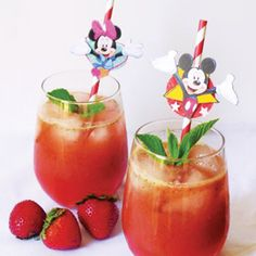 Cela peut paraître étrange, mais les fraises et le basilic s'accordent à la perfection dans cette boisson estivale.