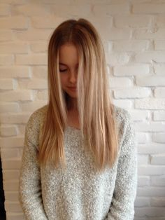 Straight hair with stunning blonde highlights by Sara Drolet