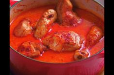 Kuře na paprice   Apetitonline.cz Thai Red Curry, Meat, Chicken, Ethnic Recipes, Drinks, Food, Kitchens, Red Peppers, Drinking