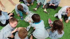 "Taller ""Mensaje en una botella"" con los alumnos de 2º de Infantil Picnic Blanket, Outdoor Blanket, Tourism, Culture, Activities, Creativity, Picnic Quilt"