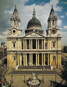 Cathedral Church of St Paul. Diocese of London. Anglican Cathedral, Cathedral Church, Roman Architecture, London Architecture, Saint Paul London, 17th Century Art, Place Of Worship, London City, Kirchen