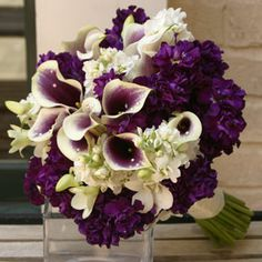 Premium wedding flowers from the finest U.S. growers, Wholesale Flowers by the bunch or the case no minimum order. Free nationwide to your door delivery. Visit http://www.weddingflowersofamerica.com for more details