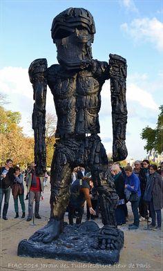 "FIAC 2014 Jardin des Tuileries : ""Giant Figure"" (Cyclops) de Thomas Houseago"