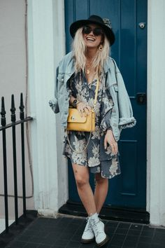 The best combo, dress jean jacket boots and yellow bag