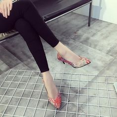 Spring And Autumn New Retro Princess Pointed high-heeled Shoes Women Shoes Shallow Mouth Fine With Sexy Elegance