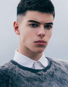 Brian Jamie Photo — Luca Fersko by Stylish Short Haircuts, Cool Haircuts, Haircuts For Men, Asian Short Hairstyles, Short Hair Cuts, Short Hair Styles, Hair Cutting Techniques, Taper Fade Haircut, Barber Haircuts