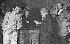 """The Miner's Arms pub, Pontrhydyfen, South Wales, UK - Richard Burton with his father, """"Dic Bach"""" at The Miner's Arms pub, Pontrhydyfen, Wales"""