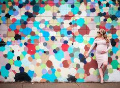 In search of inspiration for your upcoming pregnancy photo shoot? We've rounded up our top tips for how to capture amazing maternity pics. Unique Maternity Photos, Maternity Poses, Maternity Pictures, Pregnancy Photos, Photography Backdrops, Maternity Photography, Digital Photography, Amazing Photography, Pictures Of Cameras