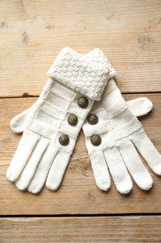 Gebroken witte handschoenen met knoopjes