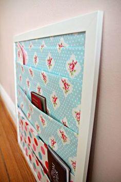DIY - Anleitung für eine Poststation. Hier gibt's noch viele weitere Ideen im Kampf gegen das heimische Chaos: http://www.gofeminin.de/wohnen/diy-alltag-organisieren-s1541276.html