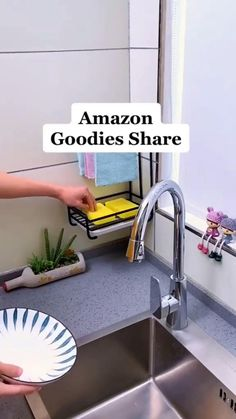 Cool Kitchen Gadgets, Home Gadgets, Kitchen Hacks, Home Decor Kitchen, Diy Kitchen, Cool Kitchens, Kitchen Ideas, Kitchen Cabinets, Kitchen Storage Hacks