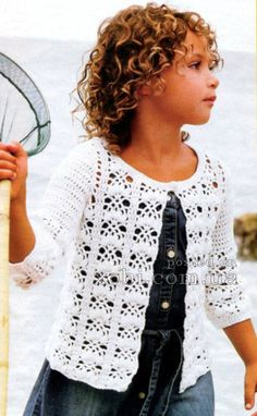 белый летний жакет для девочки с фантазийным узором