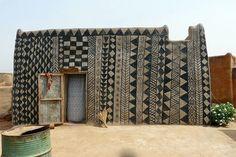 Casas de terra da tribo Gurunsi em Burkina Faso. - SustentArqui