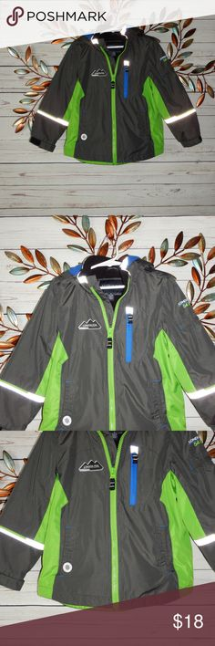 London Fog Boys Gray Lime Green Jacket London Fog Boys Gray Lime Green Fall Spring Lined Hood Jacket Size 5 Great condition no rips or stains  Fleece lined jacket London Fog Jackets & Coats