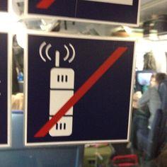 """#WasdieBahnwirklichmeint: """"Während des telefonierens ständig 'Ich bin im Zug!' brüllen!"""" #Bahn"""