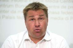 Sucht alkoholisiert den Super-SVP-Kandidaten: Partei-Präsident Toni Brunner.