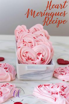 If you're looking for a different kind of Valentine's dessert to serve, check out these gorgeous Heart Meringues! Perfect for Valentine's Day! Valentines Day Desserts, Valentine Cookies, Valentines Hearts, Valentine Recipes, Pavlova, Biscuits, Meringue Cookies, Diy Gifts For Kids, Biscuit Recipe