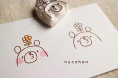 . 過去の図案から① 頭から花が生えとります(๑¯◡¯๑) この「3」の形の口が好きですw ┈┈┈┈┈┈┈┈ #nucohan #消しゴムはんこ #keshihan #stamp #スタンプ #handmade #ハンドメイド #ハンドメイド部 #手作り #eraserstamp #ほるナビ #くま #クマ #熊 #bear # #花 # #flower
