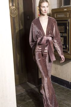Silvia Tcherassi Fall 2018 Ready-to-Wear Fashion Show Collection: See the complete Silvia Tcherassi Fall 2018 Ready-to-Wear collection. Look 21