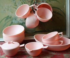 Jessie, check out this pink melmac. Remember grandma had turquoise blue melmac. The ice cream bowls.