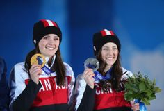 Congrats to Marielle Thompson who won the gold medal and Kelsey Serwa who won the silver medal in Freestyle Skiing Women's Ski Cross t. Freestyle Skiing, Speed Skates, Commonwealth Games, O Canada, Hockey Teams, Winter Olympics, World Championship, Athletes