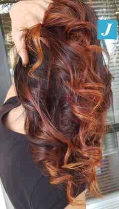 An intense and enveloping Degradé Joelle! … - All For Hair Color Trending Ombré Hair, Hair Dos, New Hair, Hair Color Auburn, Auburn Hair, Hair Color Balayage, Hair Highlights, Hair Affair, Great Hair