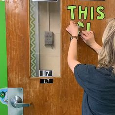 March Door Decor March Bulletin Board EDITABLE PDF to quickly add students names to the shamrocks! Includes writing prompts and paper. Spring Bulletin Boards, Preschool Bulletin Boards, Classroom Door, Preschool Classroom, March Bulletin Board Ideas, Preschool Activities, Kindergarten, St Patricks Day Crafts For Kids, March Crafts
