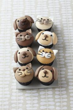 Cute puppy dog and kitty cupcakes - Cake Decorating Cupcake Ideen Cupcakes Design, Cupcakes Chat, Cookies Cupcake, Cupcake Day, Animal Cupcakes, Puppy Cupcakes, Blue Cupcakes, Baking Cupcakes, Decoration Patisserie