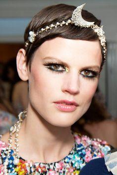 Retro Statement Eyes #Makeup andCrescent Moon Headband Chanel Cruise Dubai 2015