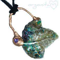 HOJA ∞ Colgante de Orgonita electroformado en cobre con gema de Amatista  ORGONITA.COM  ORGONITAS personalizadas