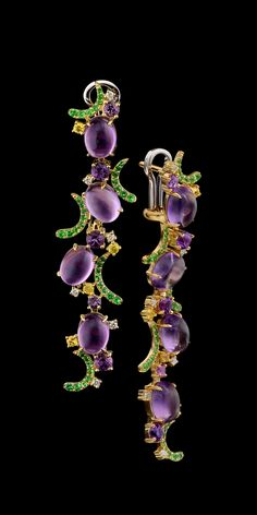 Earrings: 18K yellow gold, amethyst 12,08 ct, diamonds, yellow sapphires, tsavority, amethysts.