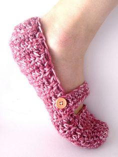 knit slipper socks - one day I will get around to making me some of these!!