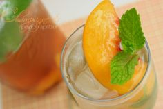 Champagne peach spritzer. Perfect for Easter entertaining.