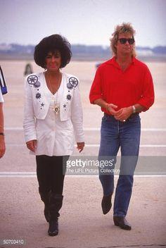 Larry Fortensky, Elizabeth Taylor, and Nikki Haskel   Liz Taylor ...