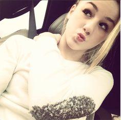 Kendall or Chloe? --> chloe