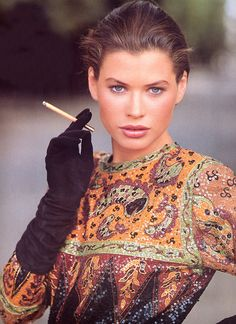 French Vogue, 1987. Carrie Otis is AMAZING LOOKING.