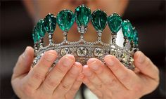 Emerald diamond tiara, what every woman needs