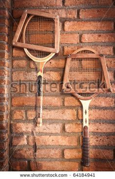 how to display vintage tennis rackets