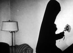 Meshes of the Afternoon (1943) by MAYA DEREN : LITURGIE APOCRYPHE