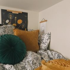 44 Where To Find Dorm Room Inspiration Color Schemes 25 Home Bedroom, Bedroom Decor, Bedrooms, Dorm Room Colors, Bedroom Styles, Bedroom Designs, House Rooms, Dorm Rooms, My New Room