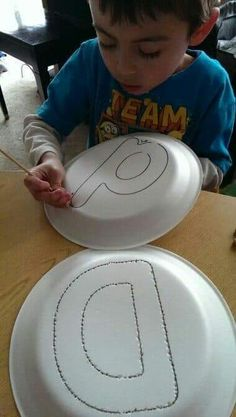 Diy Crafts - Magnet play I think this would make kids giggle Fine Motor Activities For Kids, Motor Skills Activities, Preschool Learning Activities, Toddler Activities, Preschool Activities, Kids Motor, Kindergarten Learning, Teaching Kids, Kids Education
